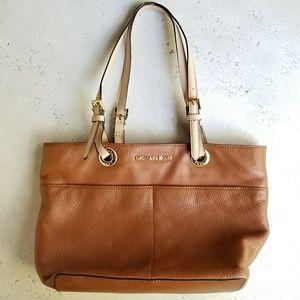 Michael Kors Brown Leather Bag - md